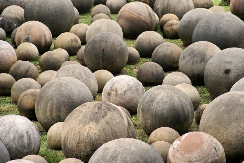 Мячи богов (4 фото)