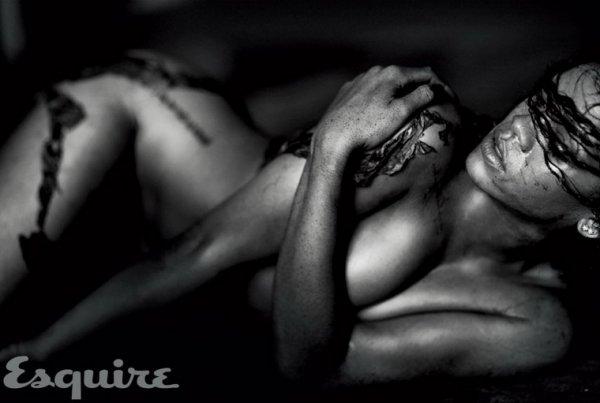 Фотосессия Рианны для Esquire (6 фото)