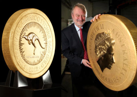 Самая большая в мире золотая монета (3 фото + видео)