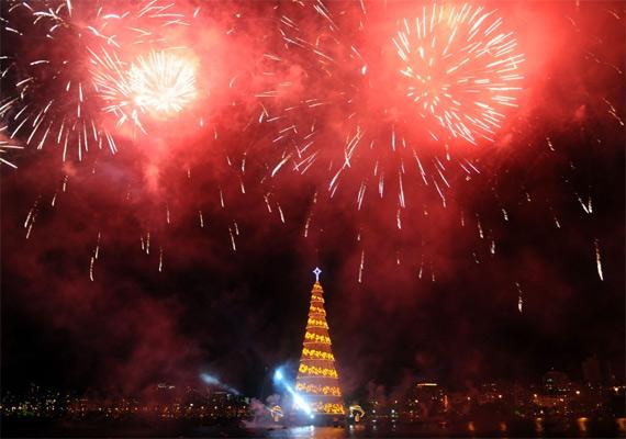 Плавучая елка в Рио-де-Жанейро (7 фото + видео)