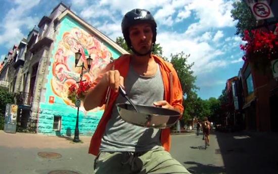 Французский художник Гийом Бланше более года живёт на велосипеде