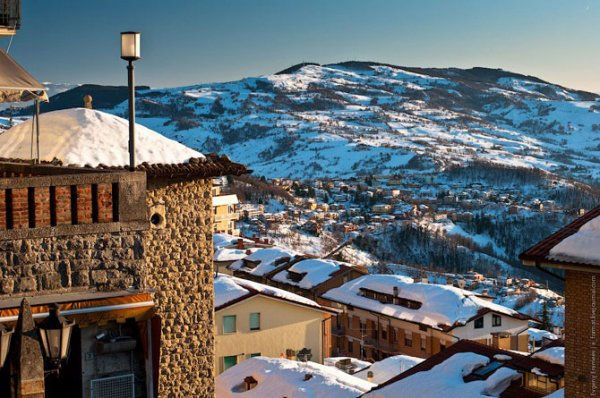 Сан-Марино — одно из самых маленьких государств в мире (24 фото)