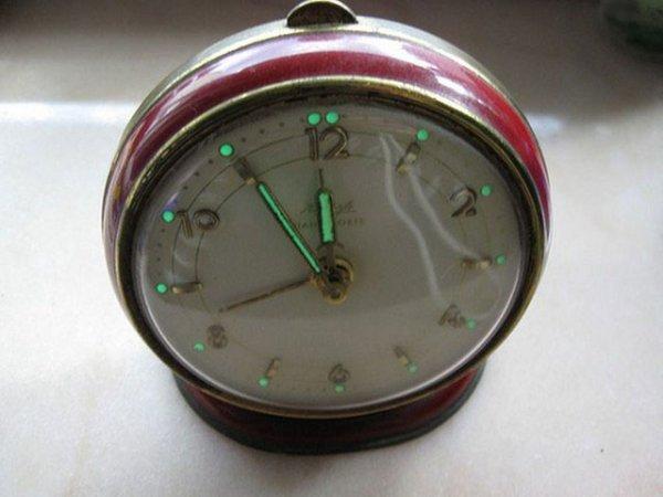 Радиоактивные вещи из прошлого, которые использовались в быту (12 фото)