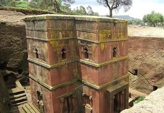 Скальные церкви в Лалибэле строили не вверх, а вниз (5 фото)