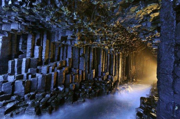 Самые удивительные пещеры мира (20 фото)