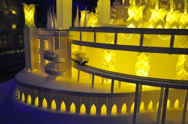 Уникальный бумажный замок (8 фото)