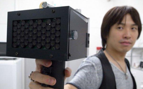 В Японии создали устройство способное заставить человека замолчать (3 фото)