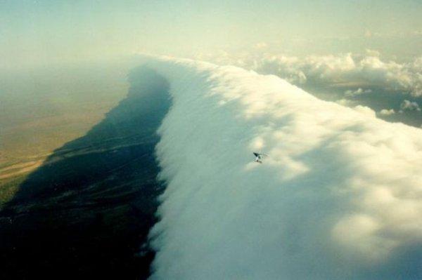 Фотографии самых необычных облаков на планете (52 фото)