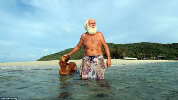 Дэвид Глашин с 1993 года живёт на необитаемом острове (7 фото)