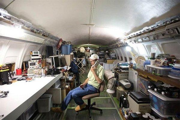 Дом в самолёте Boeing 727-200 (15 фото)