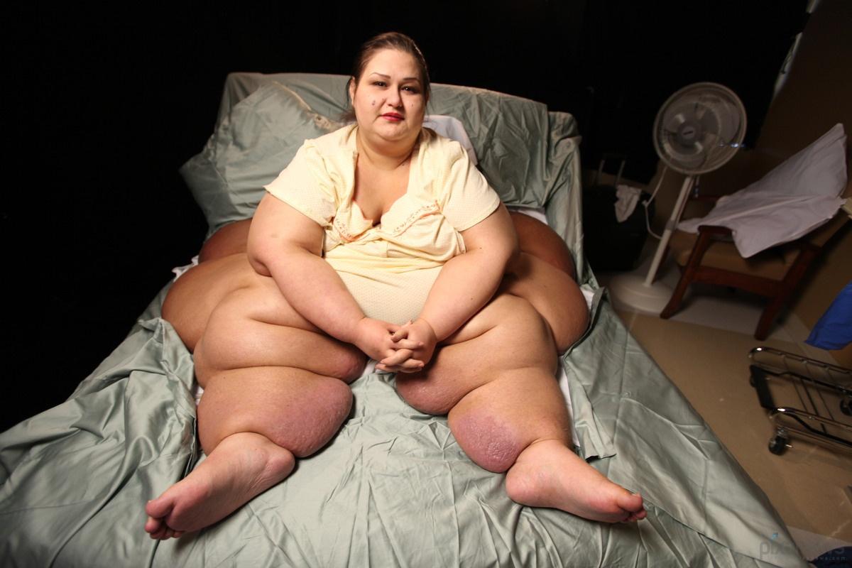 Только в попу толстым членом, Большой член в жопе ебет и кончает подборка 13 фотография