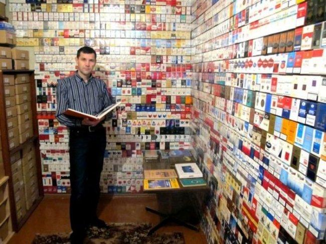 Коллекционер пачек от сигарет из Украины (21 фото)