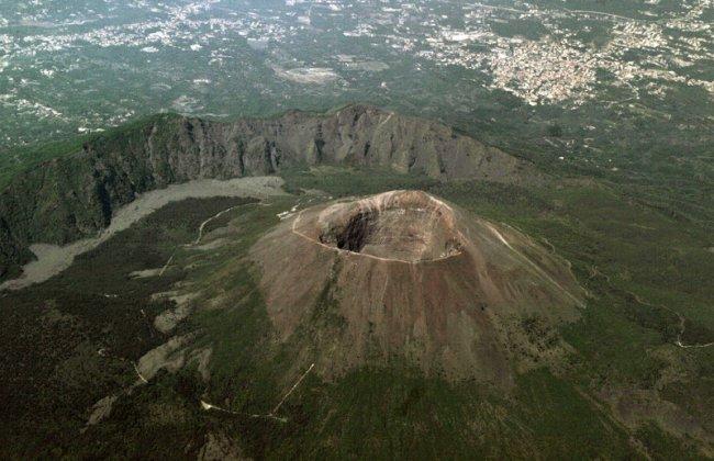 Интересные факты о вулканах (10 фото)