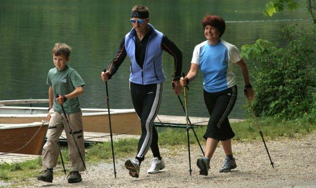 Новый вид спорта - Нордическая ходьба (3 фото)