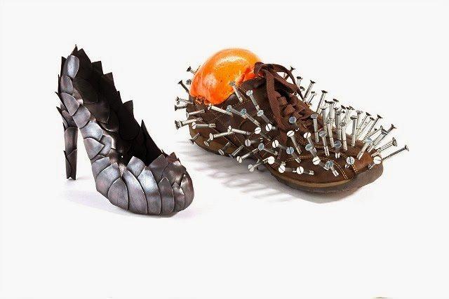 Необычная обувь из повседневных материалов (11 фото)