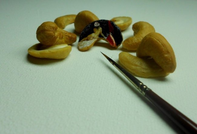 Миниатюрный арт от турецкого художника Хасана Кале (22 фото)