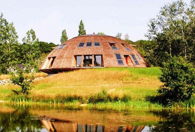Вращающийся дом на солнечных батареях (8 фото)