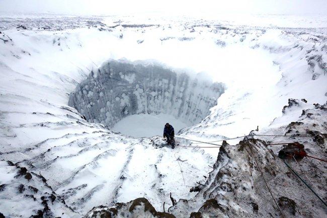 Мистический кратер в Сибири