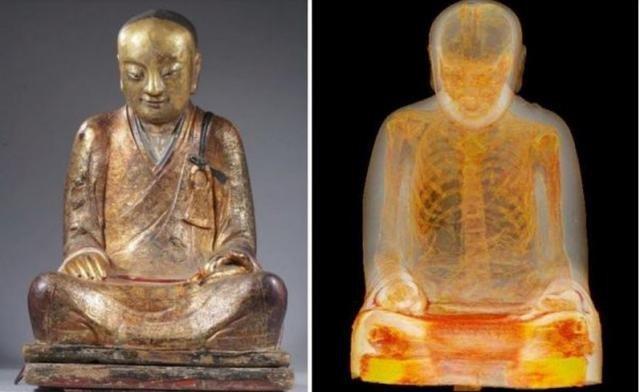 Тысячелетняя мумия монаха (2 фото)