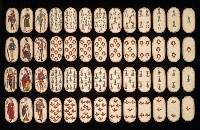 Самая старая колода карт в мире (4 фото)