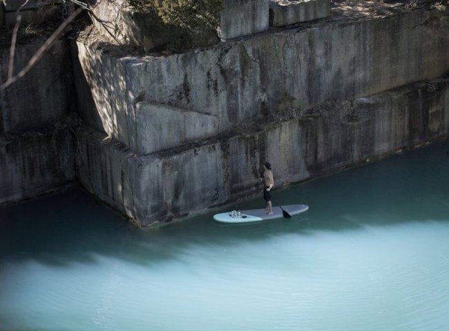Стрит-арт в речной местности от Hula (12 фото)
