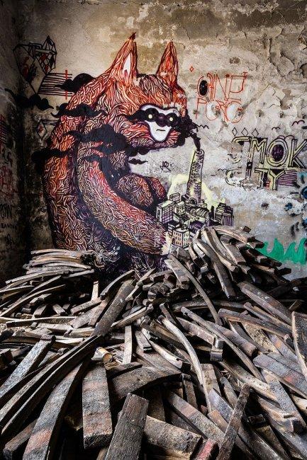 Монстры в заброшенных домах Германии (20 фото)