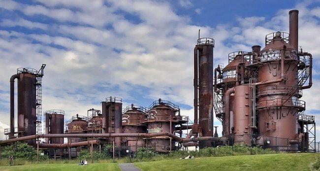 Старый завод стал парком  (12 фото)