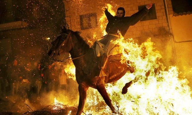 Фестиваль Las Luminarias в Испании (12 фото)