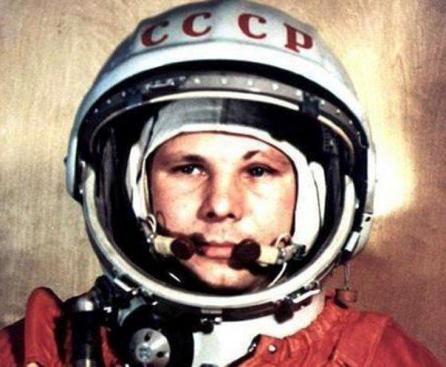 12 апреля 1961 года - первый полет человека в космос (7 фото)