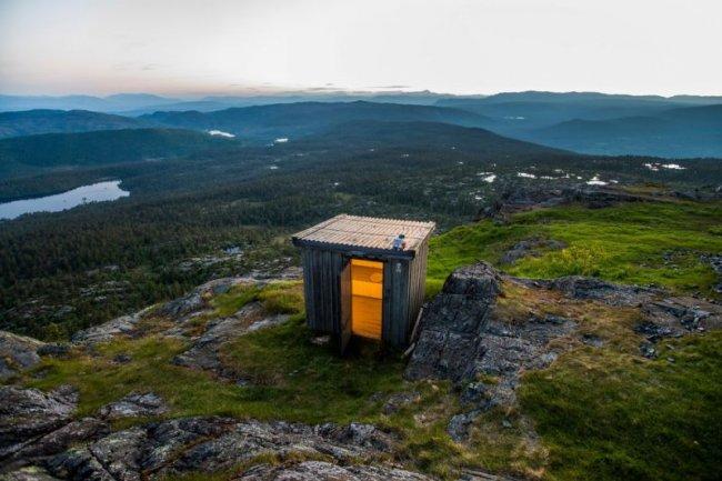 Самые удивительные туалеты мира (10 фото)