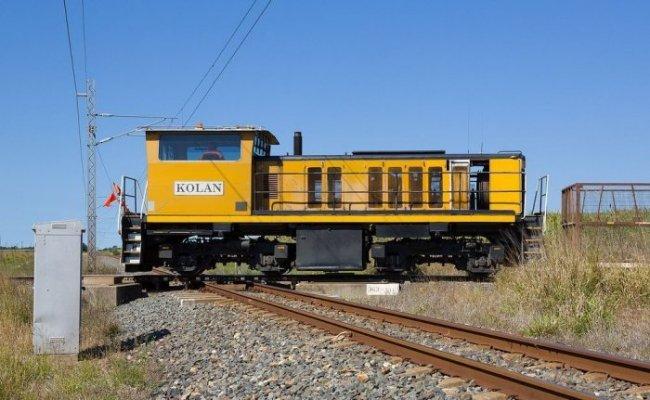 Железнодорожный перекрксток в Австралии (3 фото)