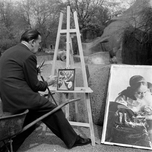 Как Сальвадор Дали рисовал картину «Рога носорогов» (6 фото)