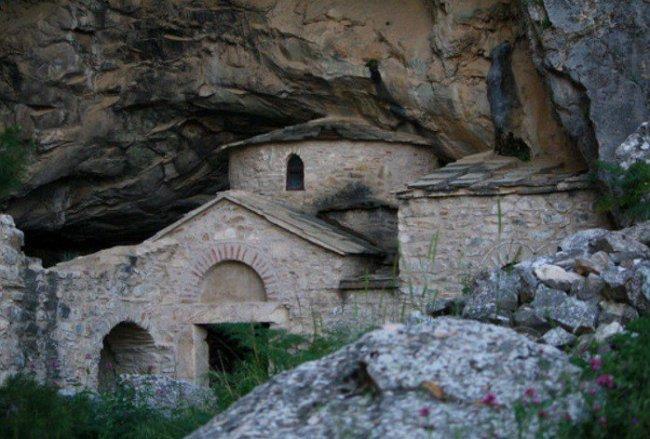 Уникальные места Греции (10 фото)