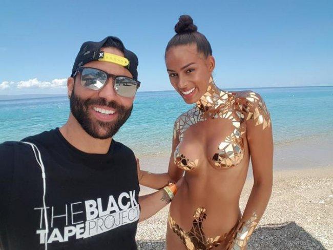Новинка пляжного сезона: «золотой» нано-купальник
