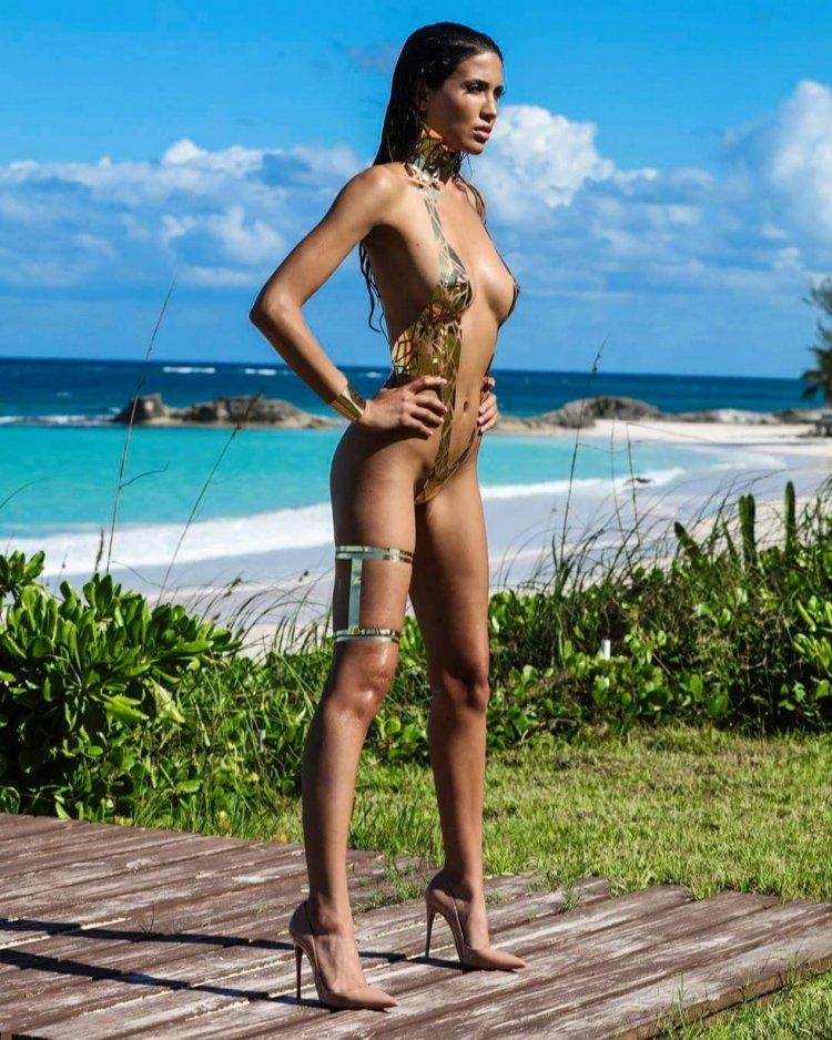 6dbcf328e5ba1 Модный тренд: купальники из изоленты » Интересные факты: самое ...