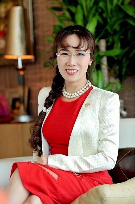 Глава вьетнамской авиакомпании раздела стюардесс и сколотила на этом миллиард