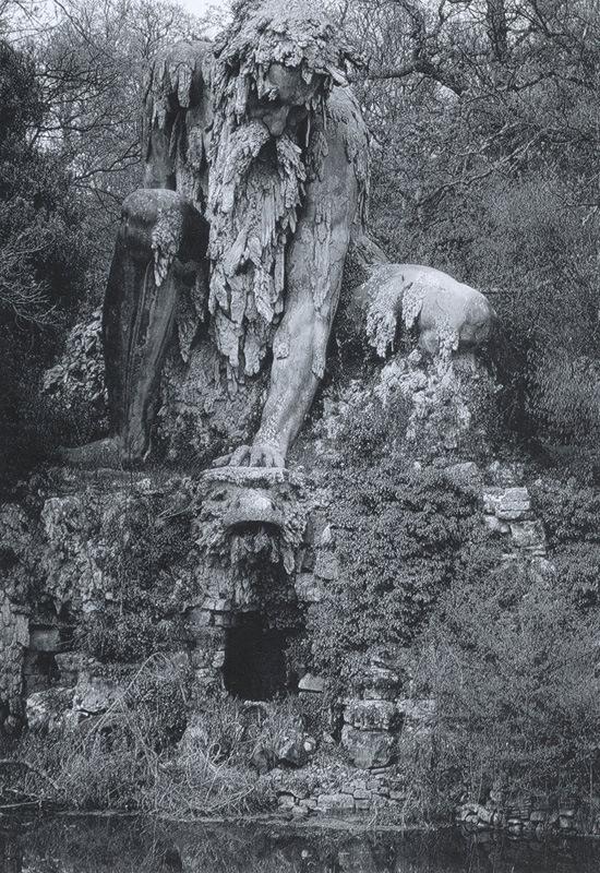 10-метровая статуя стража во Флоренции