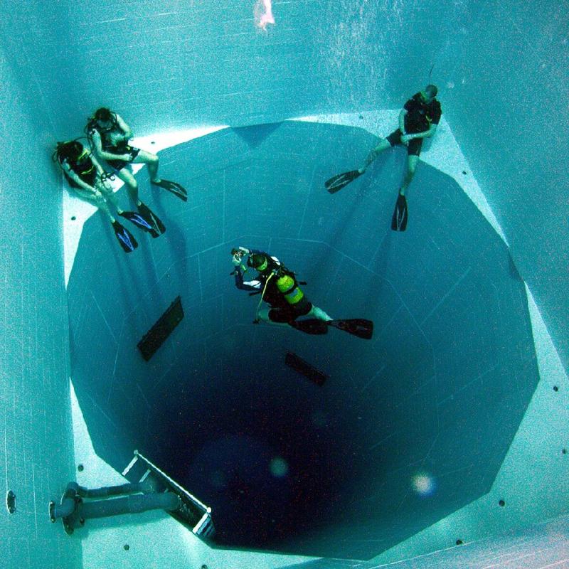Самый глубокий в мире бассейн (фото дня)