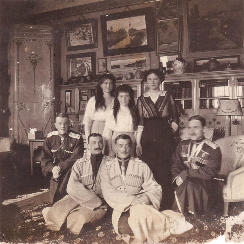 Найдены неизвестные фотографии семьи Николая II (3 фото)