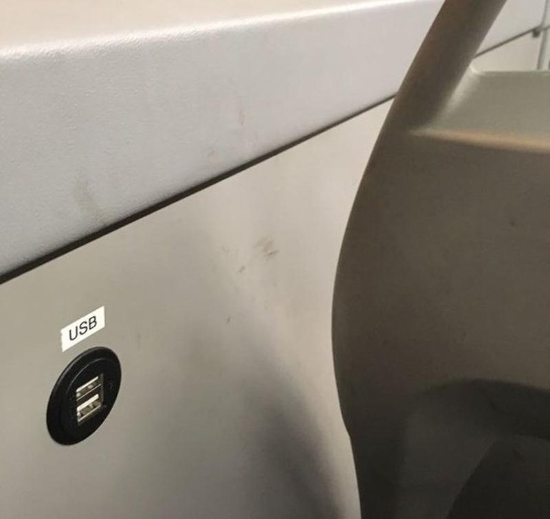 USB-порты в автобусах Финляндии (фото дня)