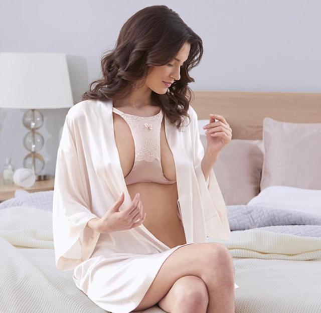 """Необычный """"товар"""" для женской груди"""