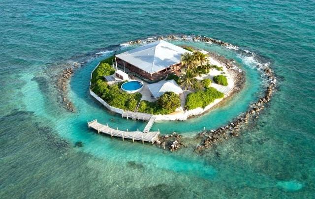 Свой тропический рай на небольшом острове (13 фото)