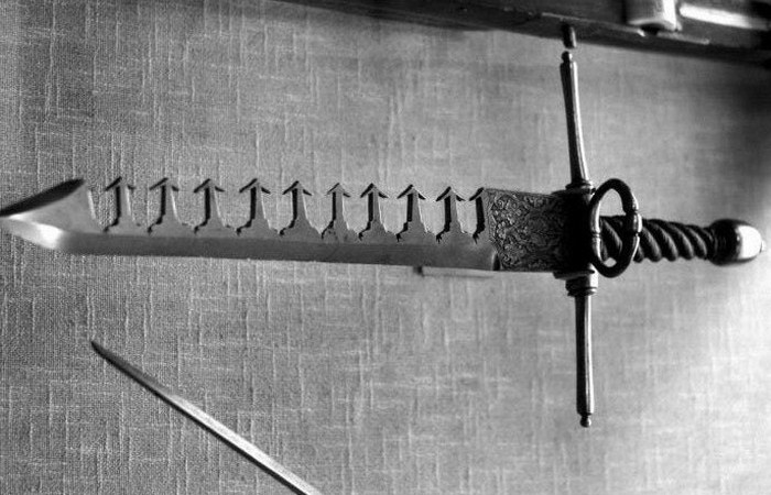 Необычное оружие средневековья: мечелом (7 фото)
