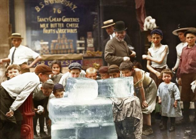 Дети спасаются от жары (фото дня)