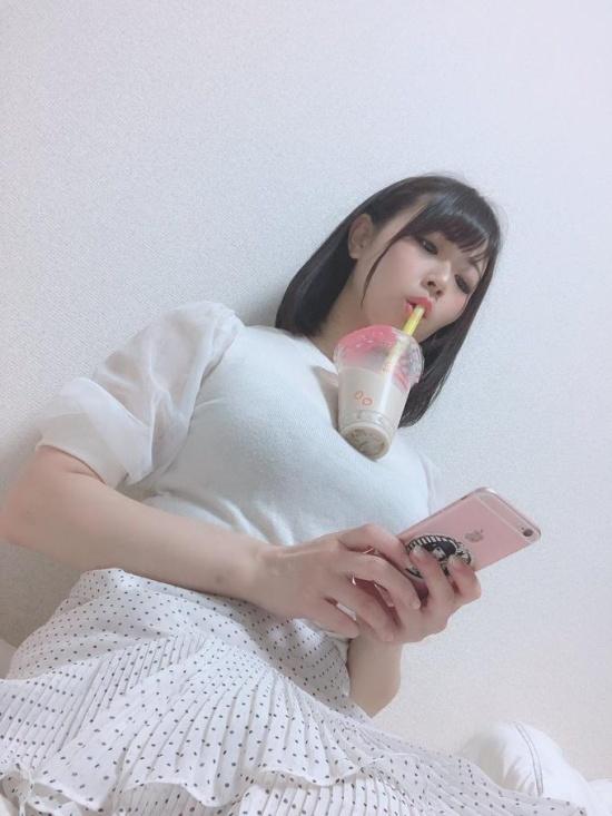 Новый тренд Японии: выпей без рук!
