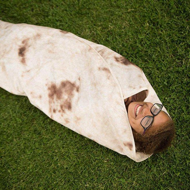 Одеяло-буррито - новый трэнд в социальных сетях (20 фото)