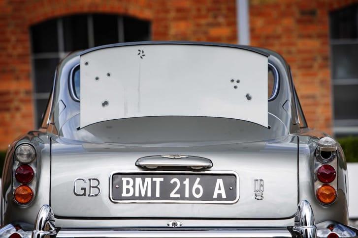 Автомобиль Джеймса Бонда за 6 миллионов долларов выставлен на аукционе