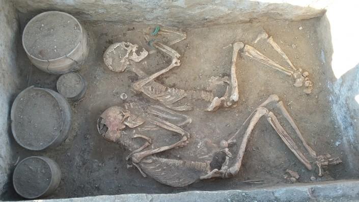 Новости Караганды: нашли еще одну могилу древних Ромео и Джульетты