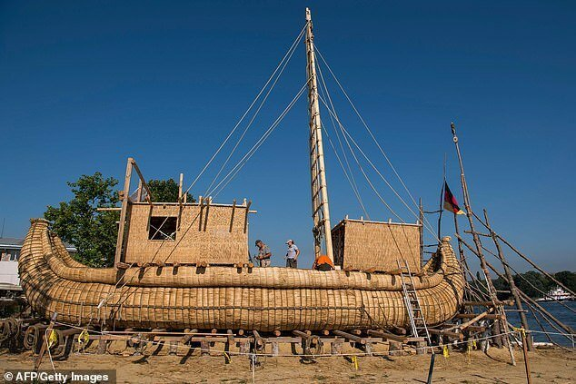 Искатели приключений отправятся на тростниковой лодке по маршруту древних египтян (13 фото)