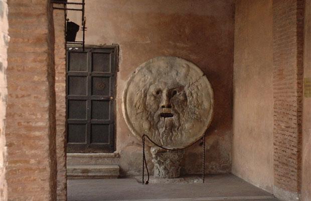 Детектор лжи из средневековья (8 фото)